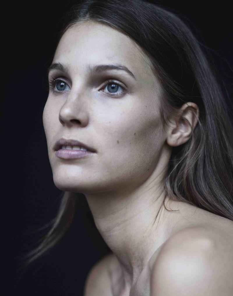 Teresa Dilger Nude Photos 2