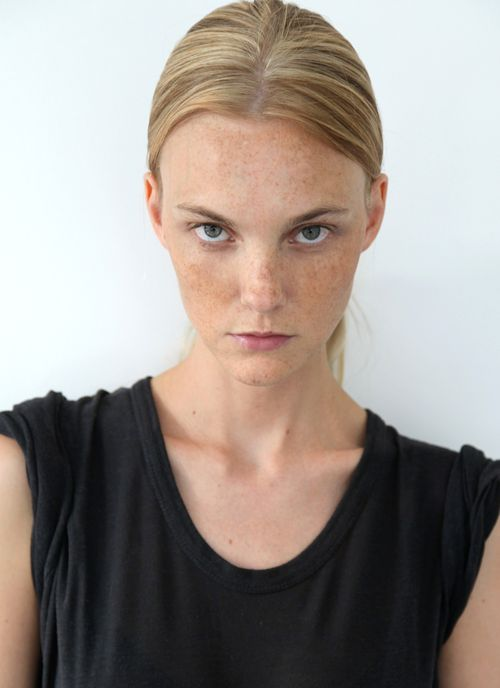 Caroline Trentini Model Profile Photos Latest News