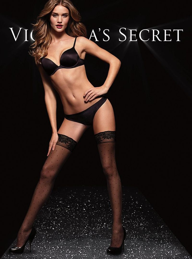 Nov 30, · Love Victoria's Secret, I've only ever been to the one in Edmonton before this and well this is larger than that one, staff is welcoming and friendly from my experiences/5(10).