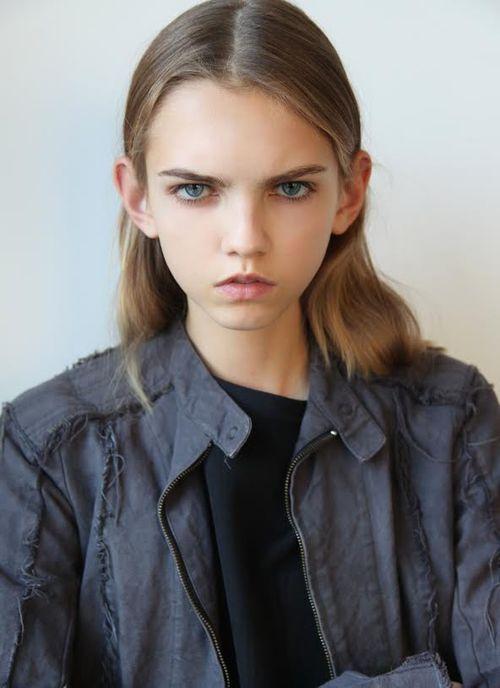 Molly Bair Model Profile Photos Amp Latest News