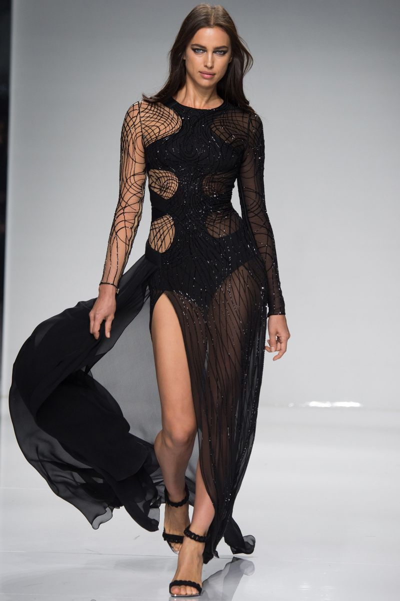 Atelier versace haute couture spring 2016 show versace for Haute couture members