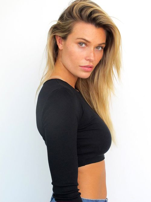 Samantha Hoopes Nude Photos 24