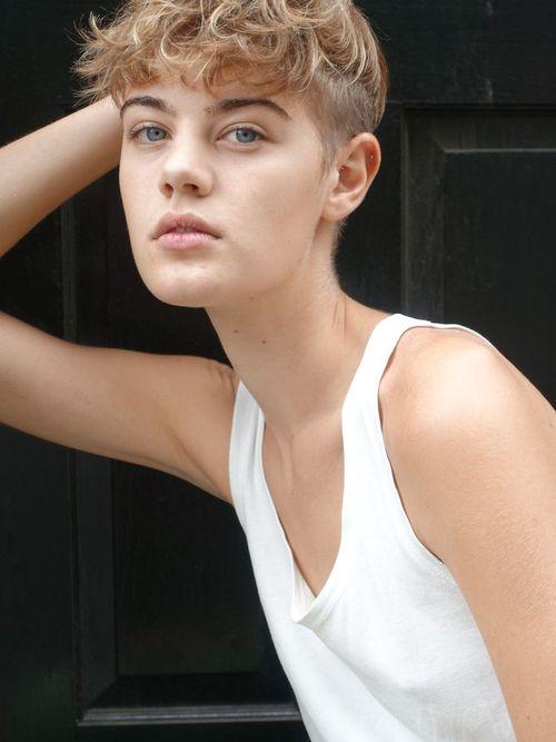 Celine Bouly Nude Photos 14
