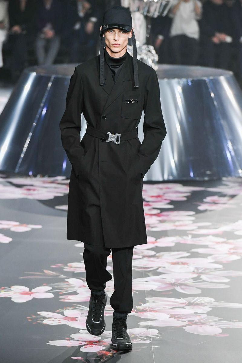 "68a30f107dac Kim Jones unveiled his Pre-Fall 2019 menswear collection for Dior with a  runway show in Tokyo. ""A fashion ."