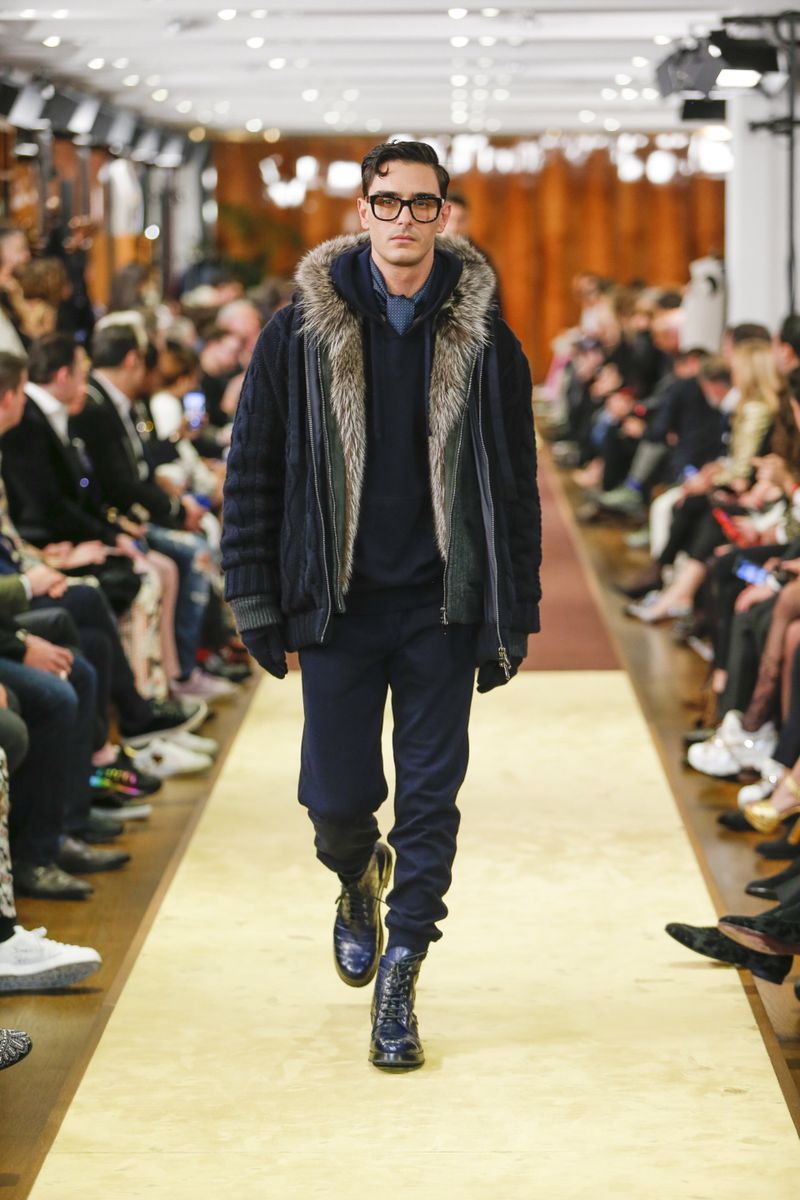 low priced bb0f5 99b33 Dolce & Gabbana Fatto a Mano F/W 19 Men's Show (Dolce & Gabbana)
