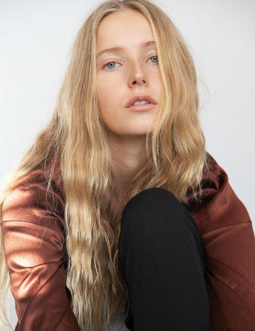 Натали веб модель мужская коррекция бровей