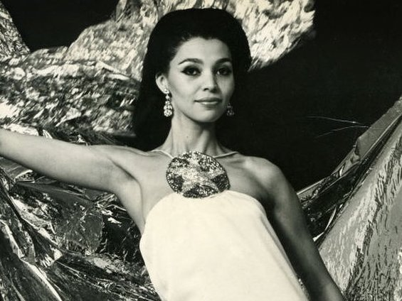 Through the Decades, These Black Model Pioneers Shaped Fashion for the Better