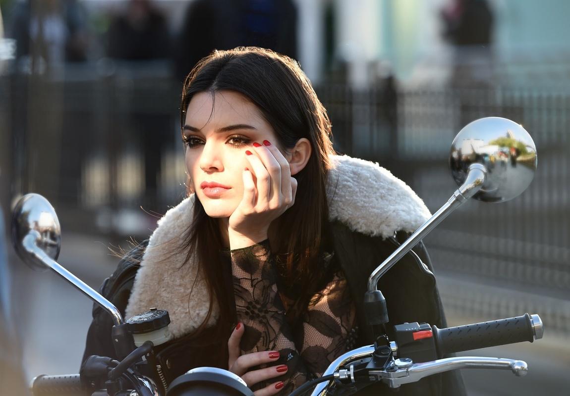 Beauty Biz : Kendall for Estee