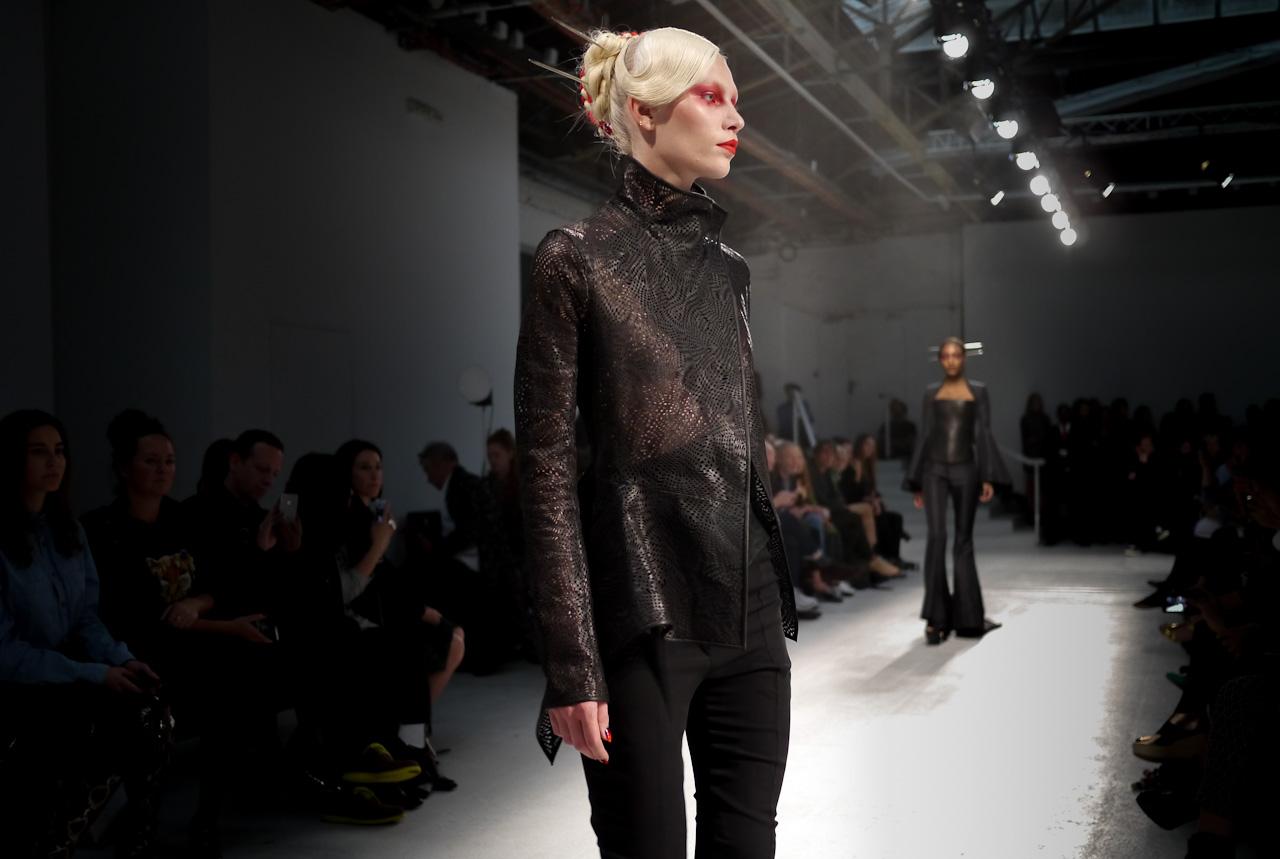 Gareth pugh architectural fashion 35