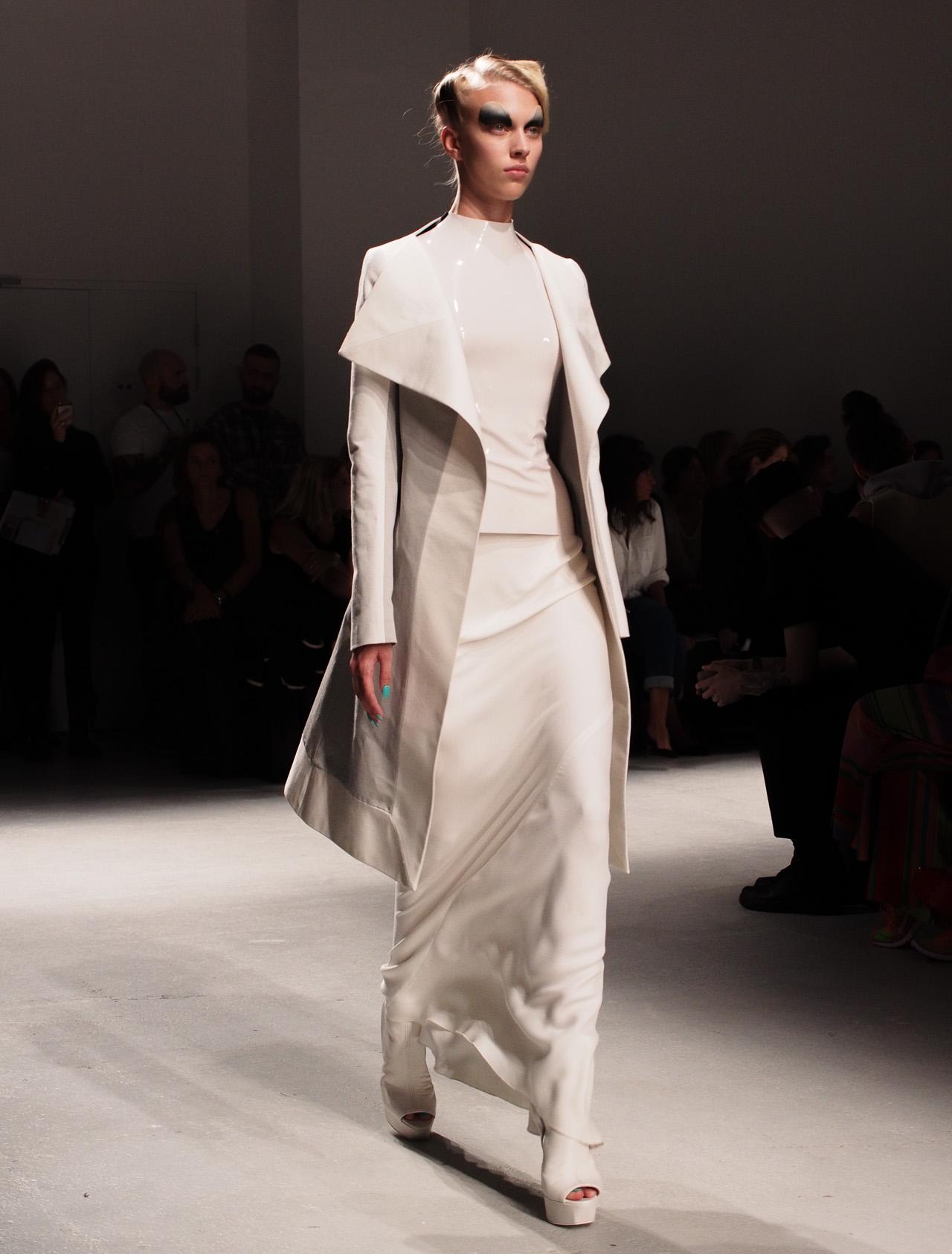 Gareth pugh architectural fashion 29