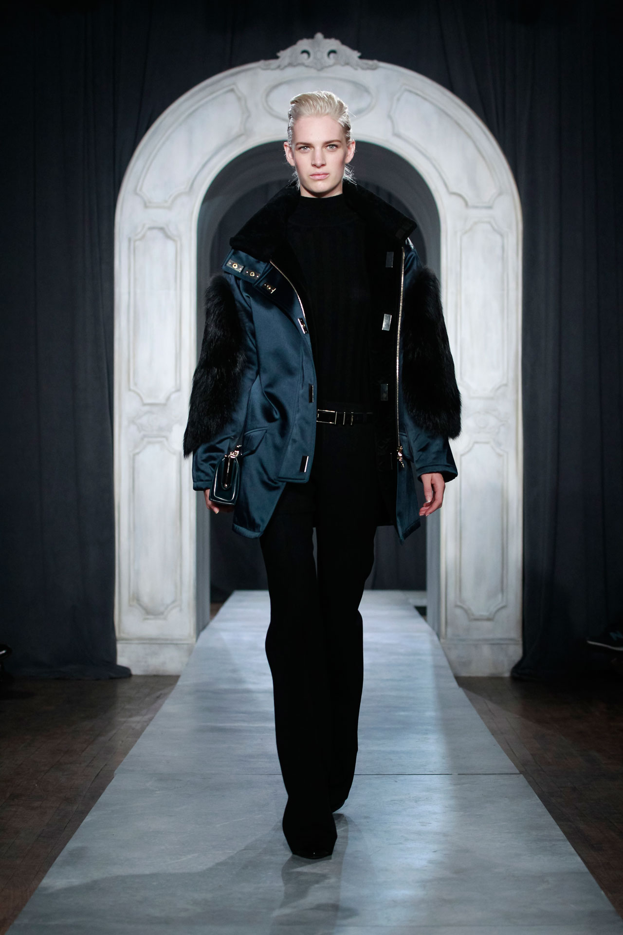 09_Jason-Wu_FW14_Look-#25