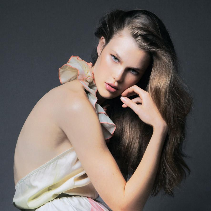 Amelia Brown / Scene Model Management