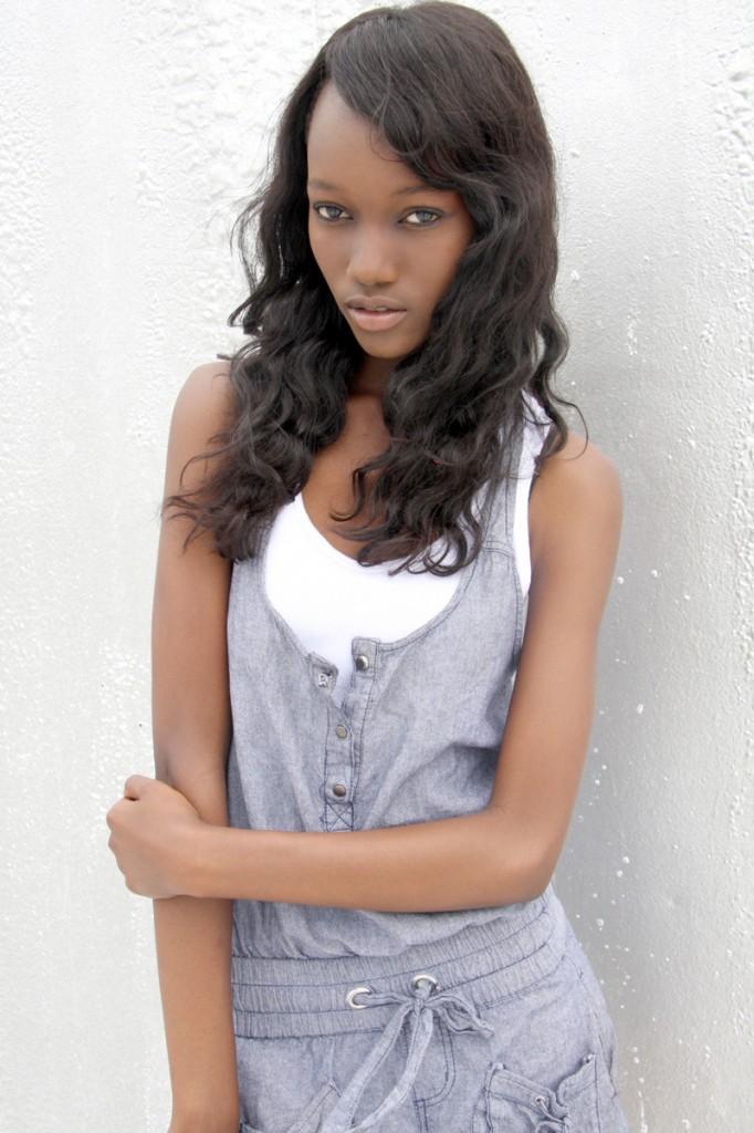 Świetna Czarna Nastolatka