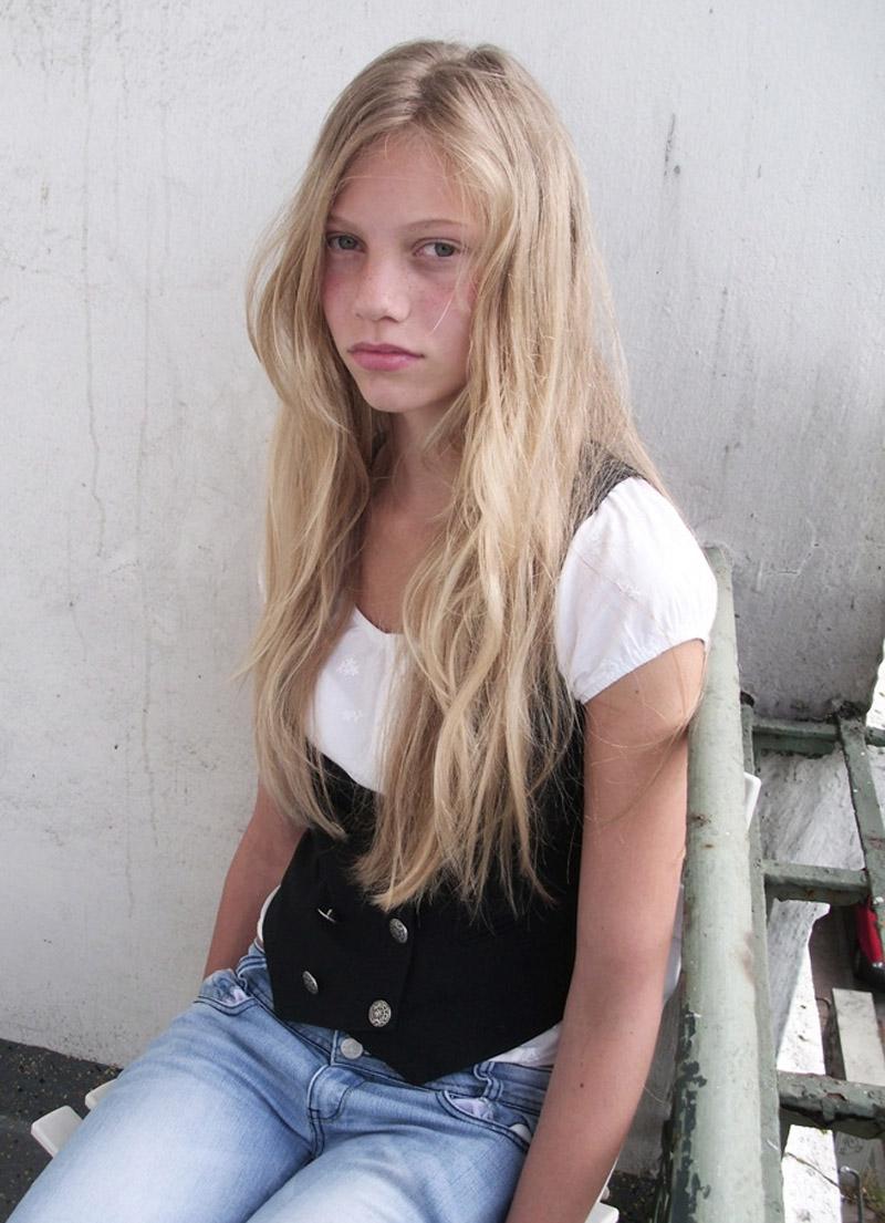 Laura S  Newfaces-2144