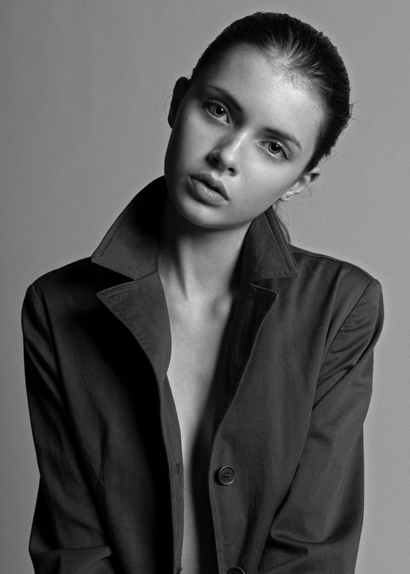 Simona / imag courtesy New Face Mng (1)