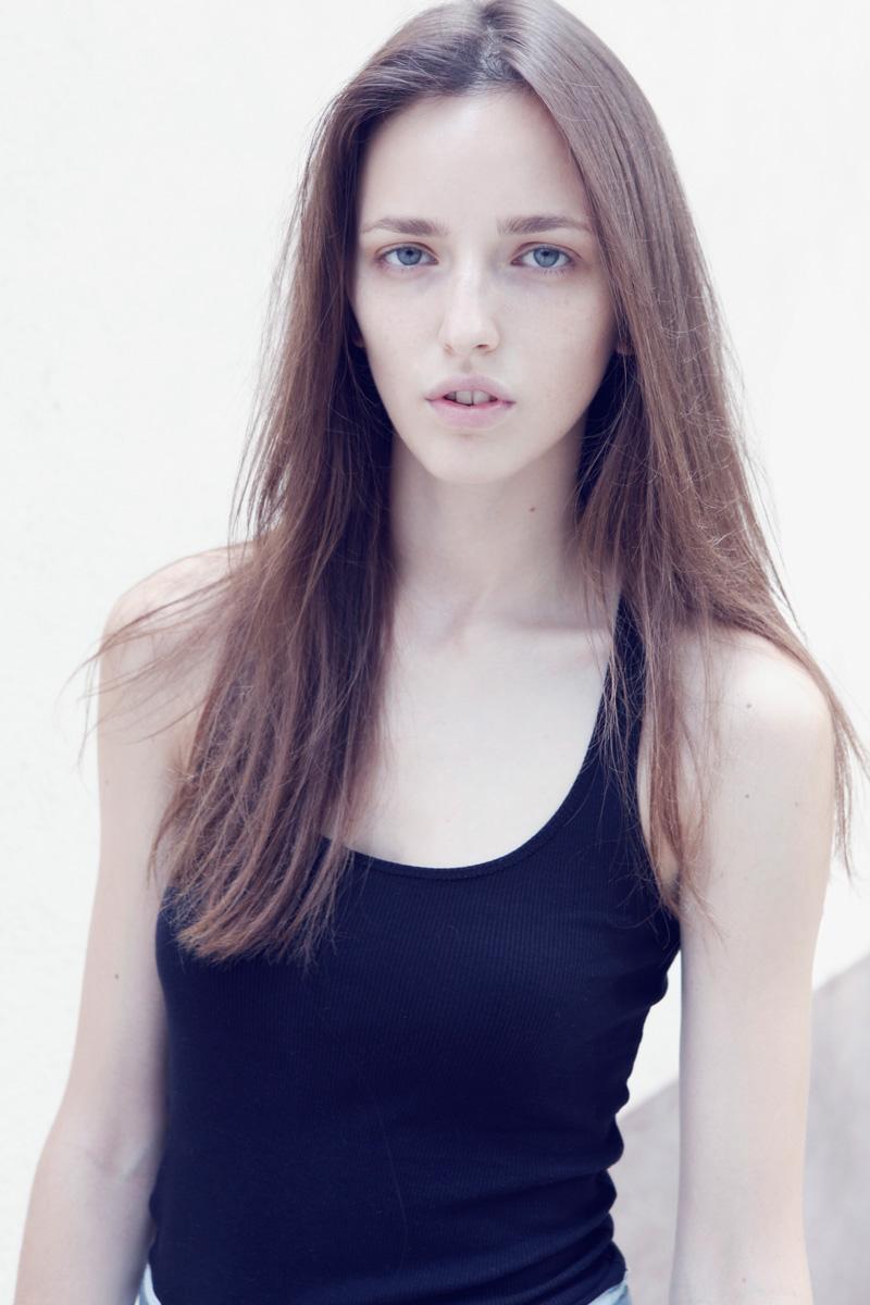 Sasha / image courtesy Model Plus (11)