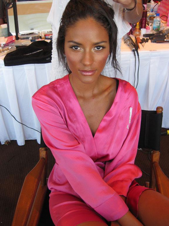 Brazilian belle Emanuela. (pic: Paulo)
