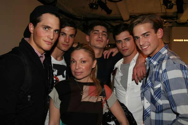 VNY's Lana with her boys; Ollie, Jamie, Thomas, Sean and Helge
