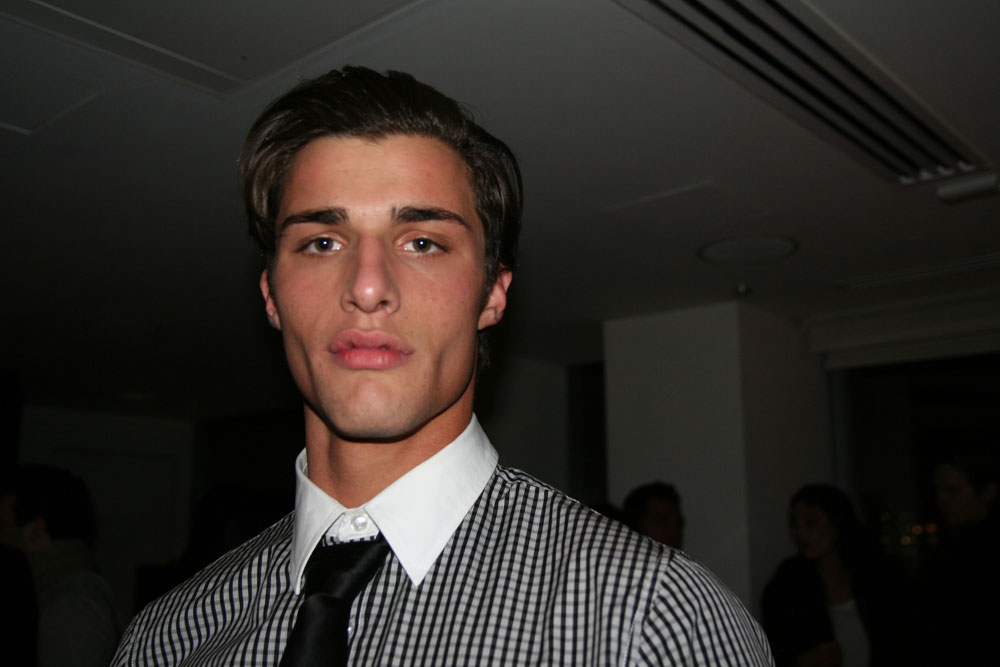 Leandro is ever so sculpted