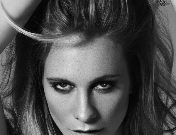 Poppy-Delevingne-by-Mark-Rabadan-modelsdot-06