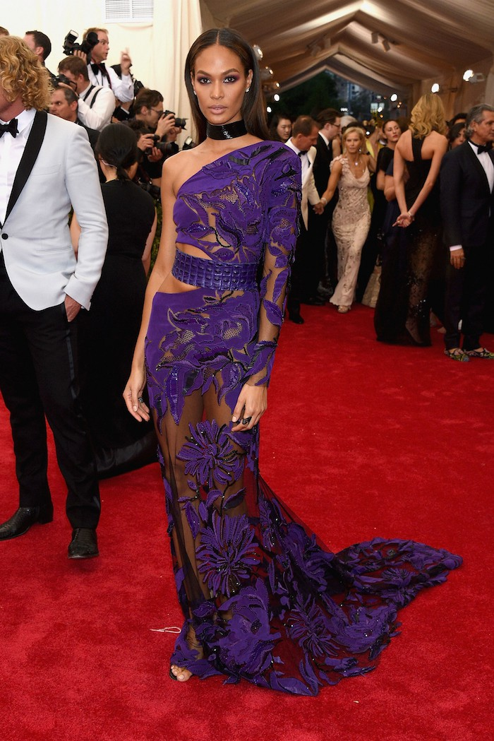 """NEW YORK, NY - MAY 04:  Joan Smalls attends the """"China: Through The Looking Glass"""" Costume Institute Benefit Gala at the Metropolitan Museum of Art on May 4, 2015 in New York City.  (Photo by Larry Busacca/Getty Images)"""
