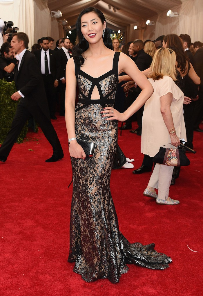 """NEW YORK, NY - MAY 04:  Liu Wen attends the """"China: Through The Looking Glass"""" Costume Institute Benefit Gala at the Metropolitan Museum of Art on May 4, 2015 in New York City.  (Photo by Larry Busacca/Getty Images)"""