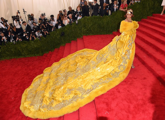 """NEW YORK, NY - MAY 04:  Rihanna attends the """"China: Through The Looking Glass"""" Costume Institute Benefit Gala at Metropolitan Museum of Art on May 4, 2015 in New York City.  (Photo by Karwai Tang/WireImage)"""