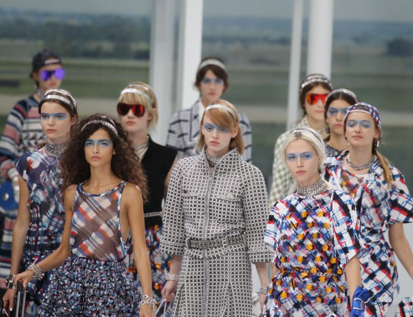 Chanel : Runway – Paris Fashion Week Womenswear Spring/Summer 2016