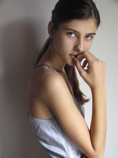 Adolescente desnudo chica semen