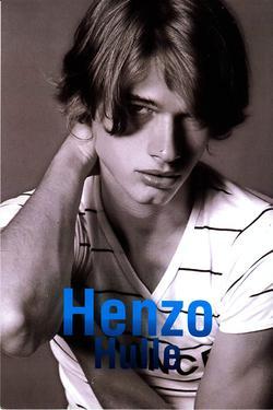 Henzo_Hulle