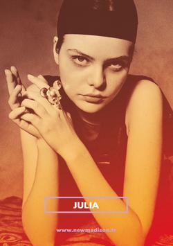 Julia   84828875