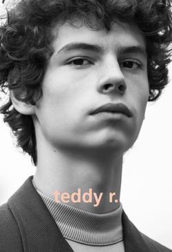 Teddy   70769985