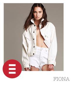 Fiona   82421477