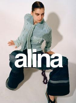 Alina   54697927