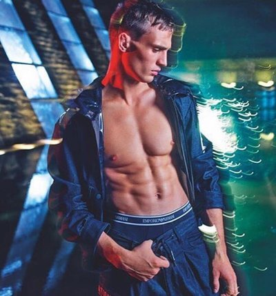 Julian Schneyder - Ph: Mario Sorrenti for Emporio Armani S/S 20