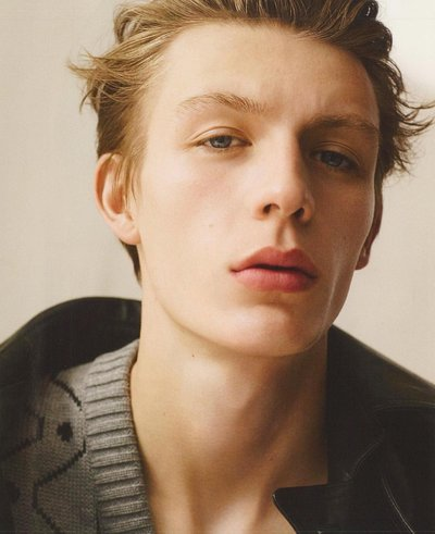 Finnlay Davis - Ph: Karim Sadli for Vogue Hommes
